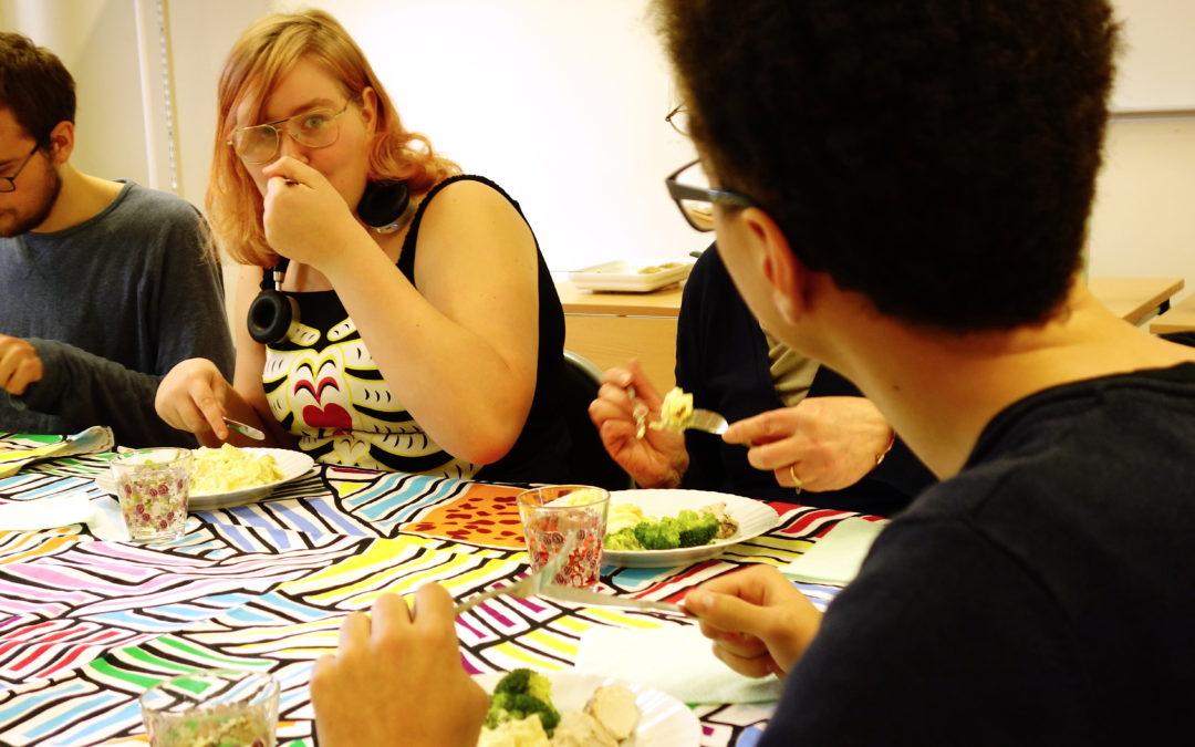 Teori och praktik bjuder på mat